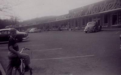 Kay-22: Del's Village Shopping Centre, Boonton, New Jersey