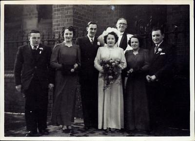 Kay-17: William Robert McKeown, Dorothy Moody (later Maxwell), Robert (Bob) Radcliffe Moody, May Moody (nee McKeown), Martha McKeown, Robert McKeown.