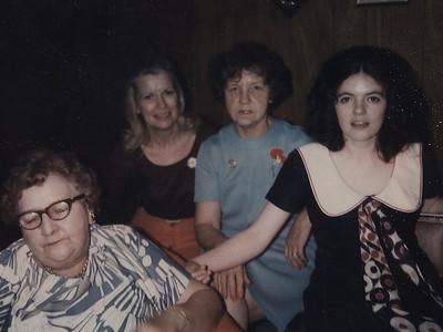 Kay-01: Emily Welz, Margie Hilbert, Anne Patterson, Kay Patterson