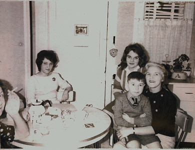 Kay-15: Annie Patterson, Barbara Gorman, Dottie Patterson, David and his mother May (Maisie) Barr, 1963