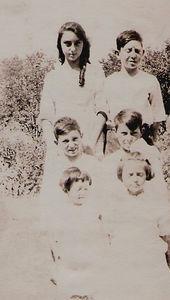 7 - Carrie, Elmer, Lewis, Floyed, ida and Verna Mae Bennett