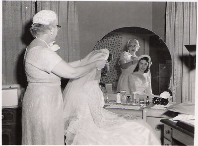 25 - janene and mother before wedding, 1957