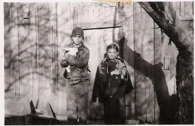 15 - bob and janene w rabbits