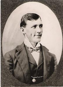 3 b- mahard thompson, father of rht