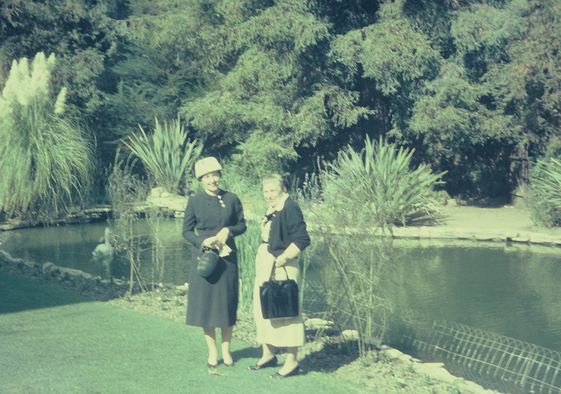 Bel-Air Hotel, Los Angeles, October 1956. Joyce Harliss (Stub's sister) & Gertrude.