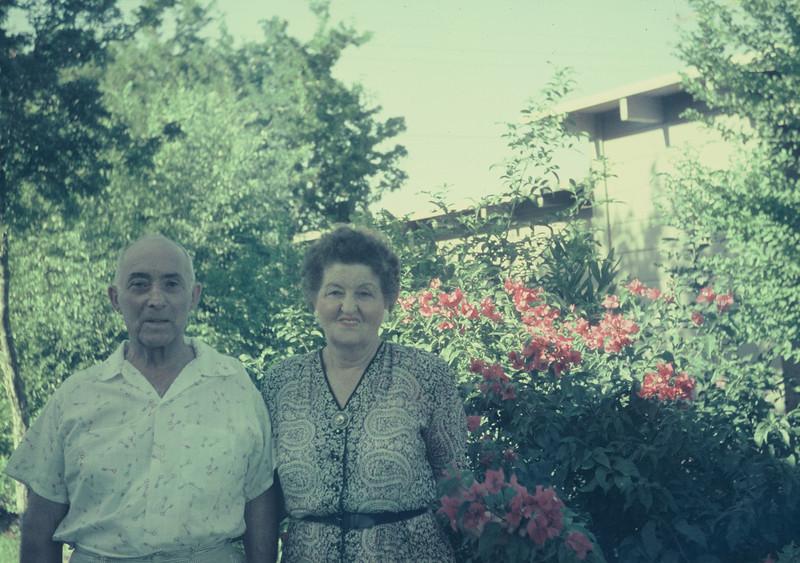 Harlingen, August 1956. Pearl & Joe Bodin.