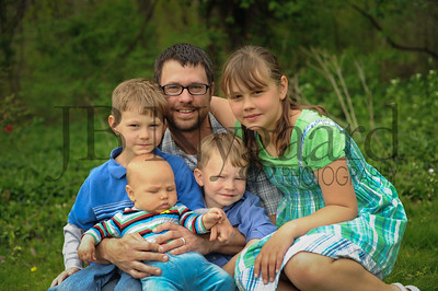 5-04-15 Benji Bergstrand with his children-3