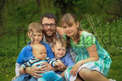 5-04-15 Benji Bergstrand with his children-4