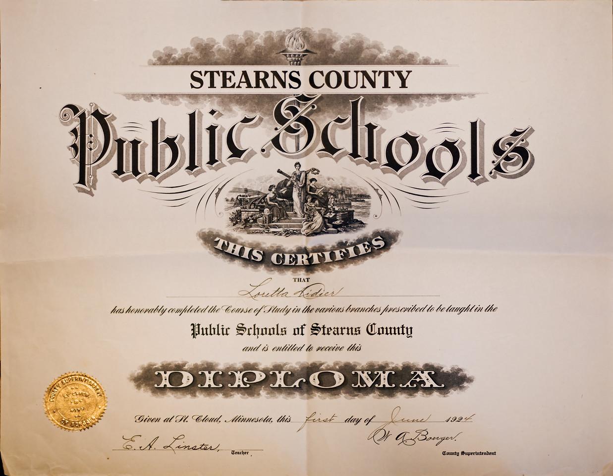 Loretta Diploma