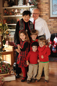 12-25-15 Tom & Marilyn Edwards with grandchildren-1
