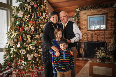 12-29-17 Tom and Maryln Edwards with grandchildren Phoebe and Ivan Edwards-Leeper-4