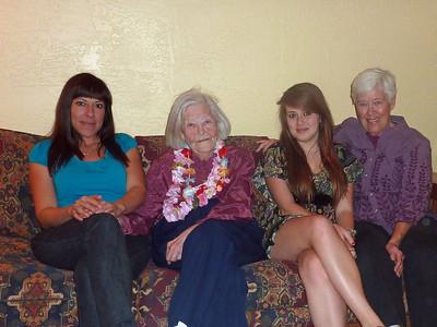 Maren, Grandma Lillian, Lily, Kristi