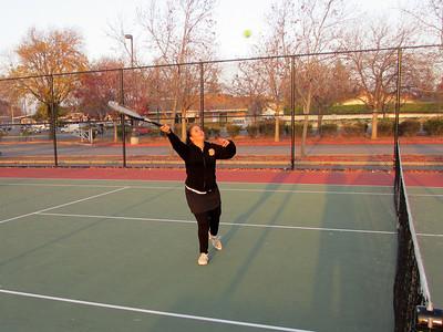 Tennis - Anna Kyle Lorin Lonny 12-28-11 005