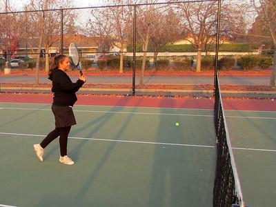 Tennis - Anna Kyle Lorin Lonny 12-28-11 004