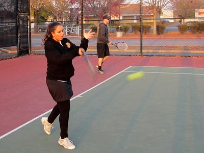 Tennis - Anna Kyle Lorin Lonny 12-28-11 012