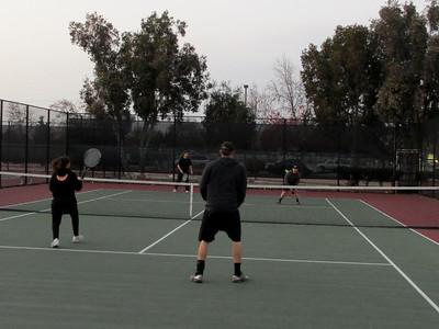 Tennis - Anna Kyle Lorin Lonny 12-28-11 018