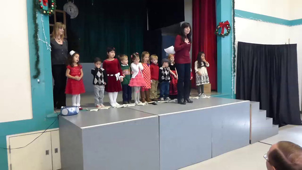 Bear's Preschool Christmas Show 1