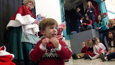 Bear's Preschool Christmas Show 9
