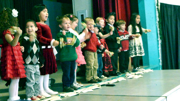 Bear's Preschool Christmas Show 3
