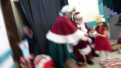 Bear's Preschool Christmas Show 7