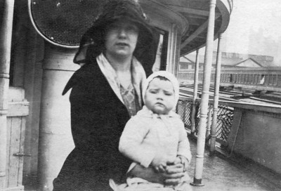 Anna and Jane Finan (1918-1996)