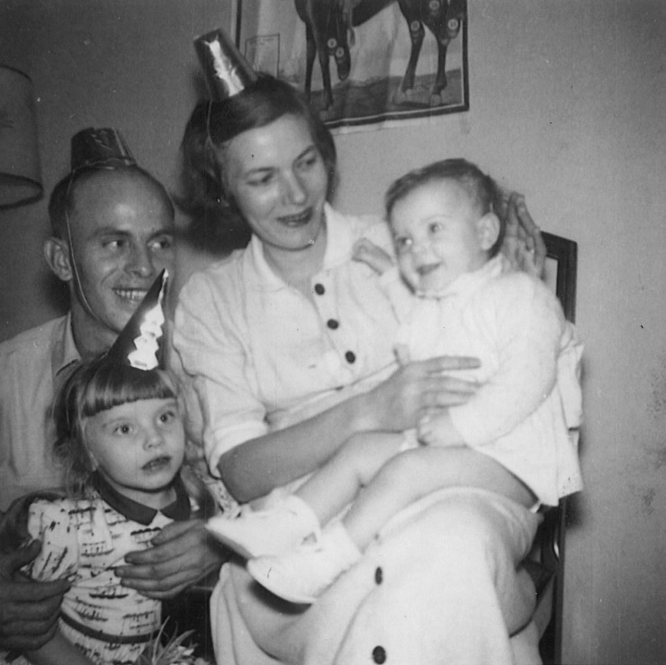 Willie, Marilee, and Daughters