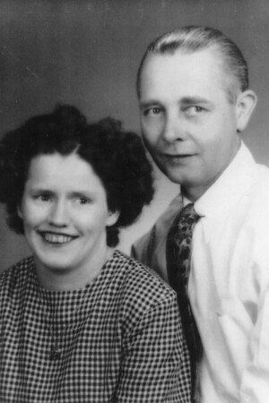 Mollie (Phipps) and Walter Estep
