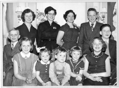 Pella Persson's Grandchildren 1955