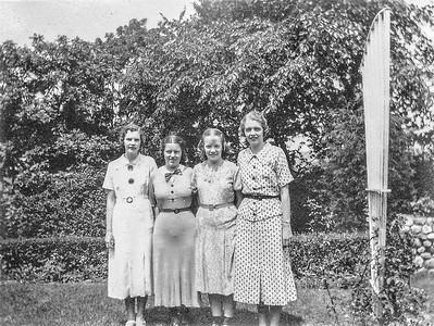 Olle  Jonsson - 11  Vera, Valborg,Dagmar, Mildred