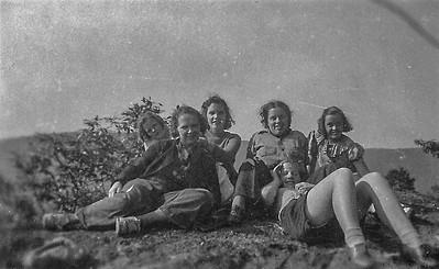 Olle  Jonsson - 57  Mary-Ellen, Vera, Dagmar, Hilma, Dagmar