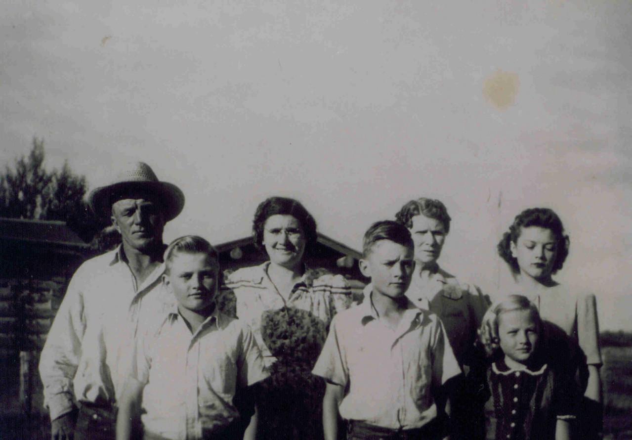Arthur Kolka, Violet, GGrandma Price, Dorothy<br /> Cecil, Donald, Arleen