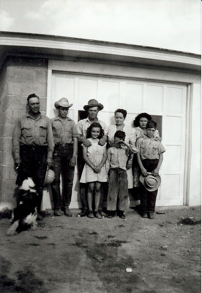 Loy (Grandpa) Green, Sonny, Clifford, Evelyn (Grandma) Betty<br /> Delores, Melvin, Gary