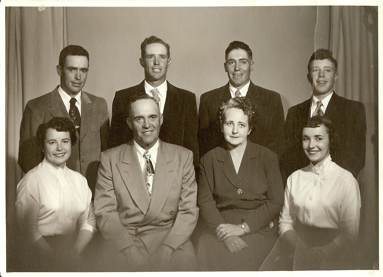 Green Family 1955<br /> Sonny, Clifford, Gary, Melvin<br /> Betty, Loy, Evelyn, Delores