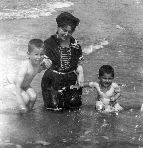 """Elsa Nathan--my Grossmutti, with older son Eberhard (or Walter?) and youngest son,my father Kurt, """"Opa"""", age 4."""