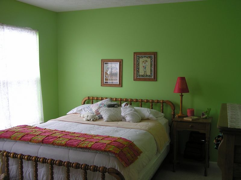 <big>Mary Ann's Bedroom in Indiana</big><BR> August 2004