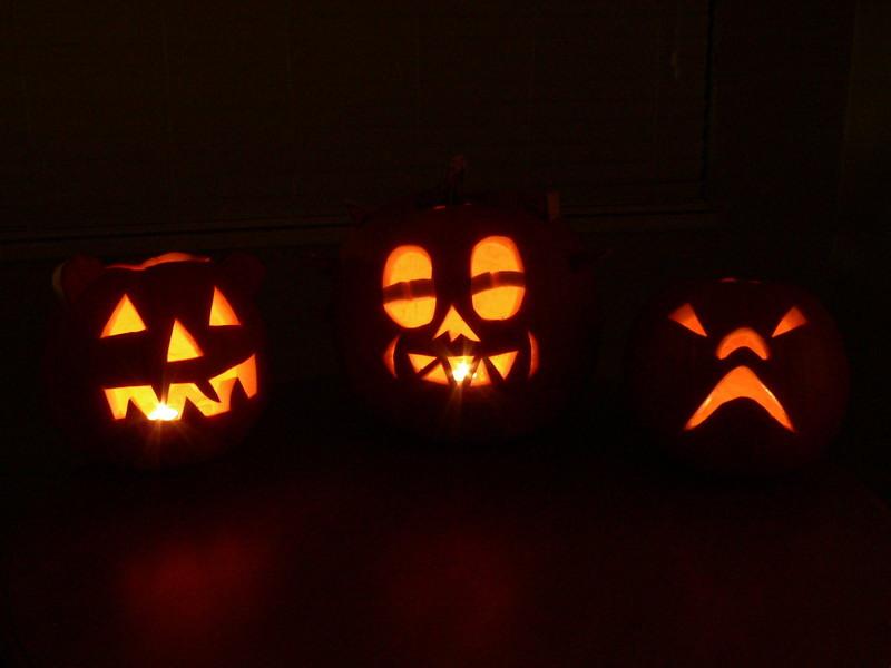 Happy Halloween !!<br /> <br /> 2006<br /> <br /> .