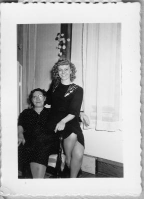 Antonina and Estelle Tabisz