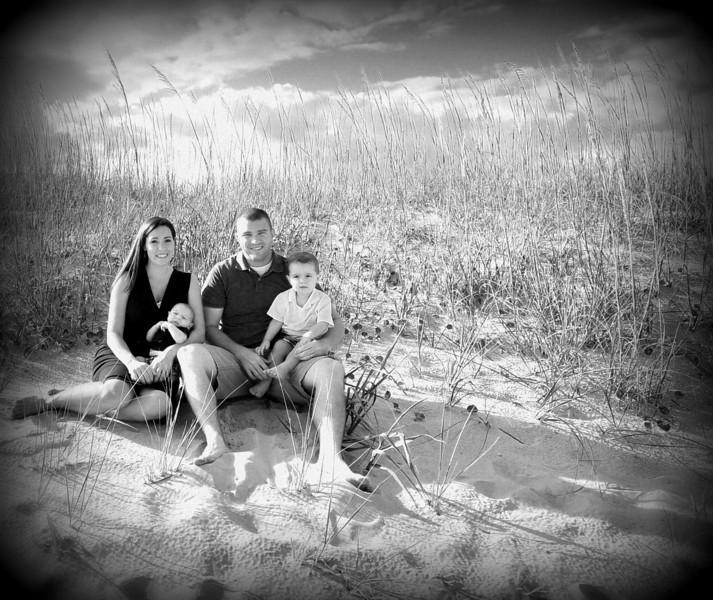 Bryce Lafoon photography specializes in family portraits,  beach photography, and weddings.