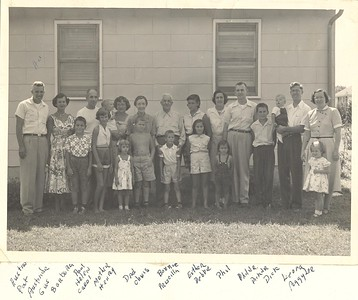 Family at Casey Park - Cildren and Grand Children of Rev Gustave H Bechtold DD and Leona Bechtold nee Wetmore