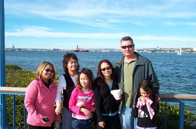 Auntie Judy, Mom, Corrinne, Cheryl, Dan and Kelela in San Diego