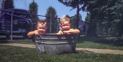 Tom Jim wash tub   NS  IRNR+  828