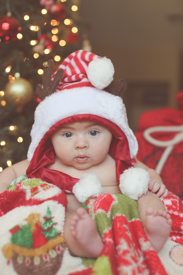 Tate Cobb 3 Month Christmas--13