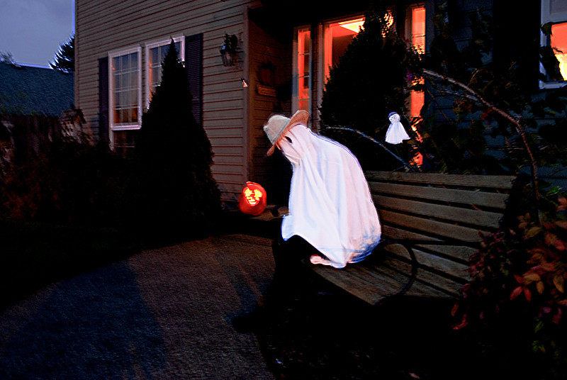 Halloween 2010 - Rachel is ready to scare some kids!