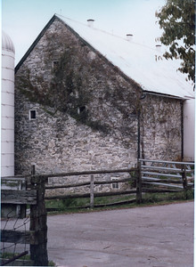 Amish Barm