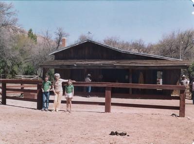 1981 Sam, jean, Loie Circle z