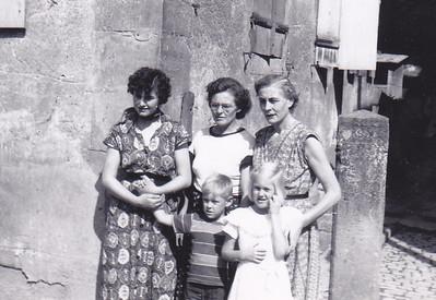 Isolde WIdder, Hilda Widder, Erna, Johnny Conrad,  Carolyn Conrad Ittliingen House with Sparrows Summer 1954