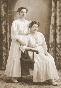 1908 Mazzela Juday Zimmerman and Nora Juday Ringwald