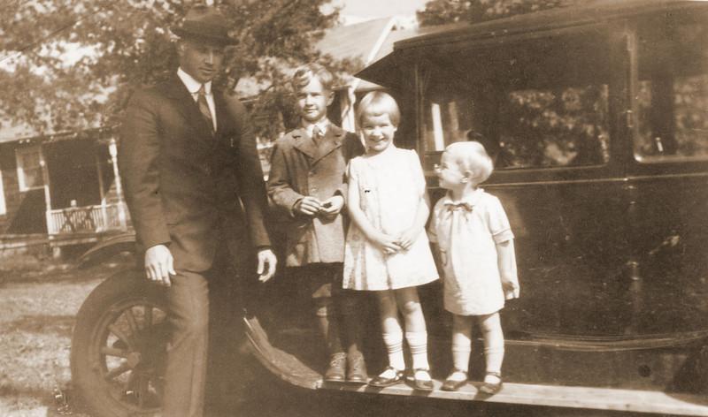 1928 John, Owen, Edith, and Helen Ringwald