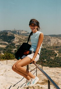 kathryn-perhced-ledge-provence