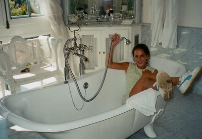 Kathryn-bathtub